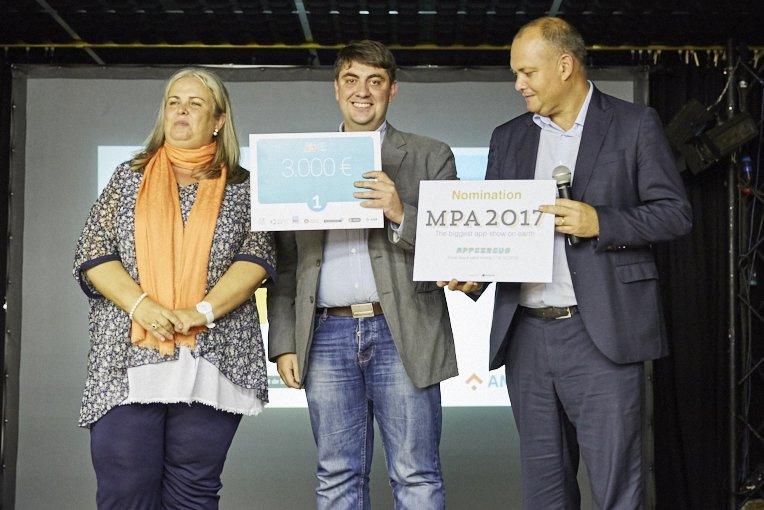"""WhatsCine gana el certamen """"Apps para todos"""""""